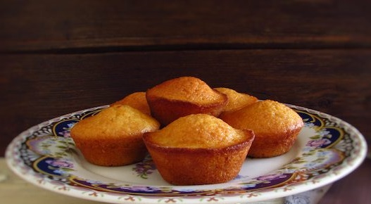 We suggest these butter lemon muffins for a snack