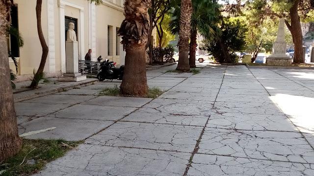 Οριστικά ελεύθερη από αυτοκίνητα η Πλατεία Νικηταρά (δικαστηρίων) στο Ναύπλιο