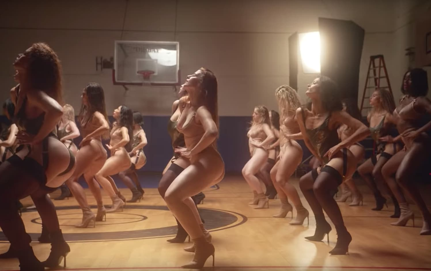 Agent Provocateur läßt starke Frauen zu Pump Up the Jam in Dessous tanzen | Klingt schräg ist aber absolut gelungen