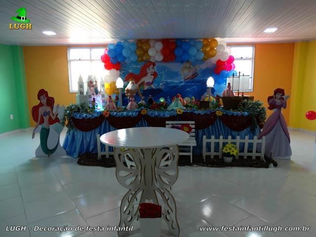Mesa luxo de tecido - Decoração mesa de aniversário A Pequena Sereia para festa infantil feminina
