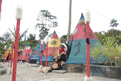 Berfoto Ala Suku Khas Indian di Kampung Indian Kediri Jawa Timur