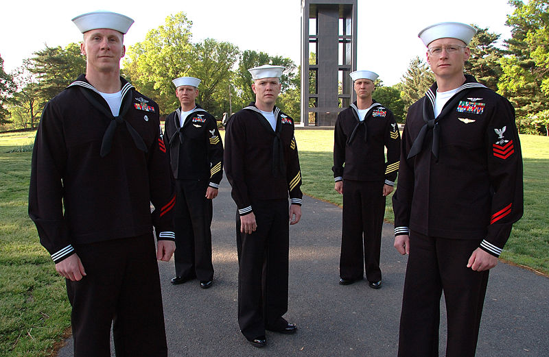 The Us Navy S Service Dress Blues For Enlisted