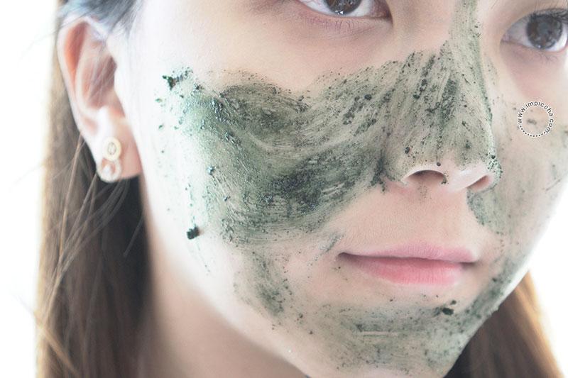 Amorina Spirulina Facial Scrub