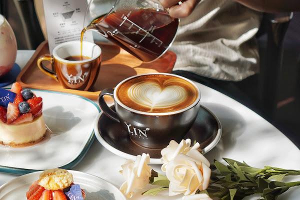 台南東區美食【Lin Coffee 麟咖啡】餐點介紹-卡布奇諾