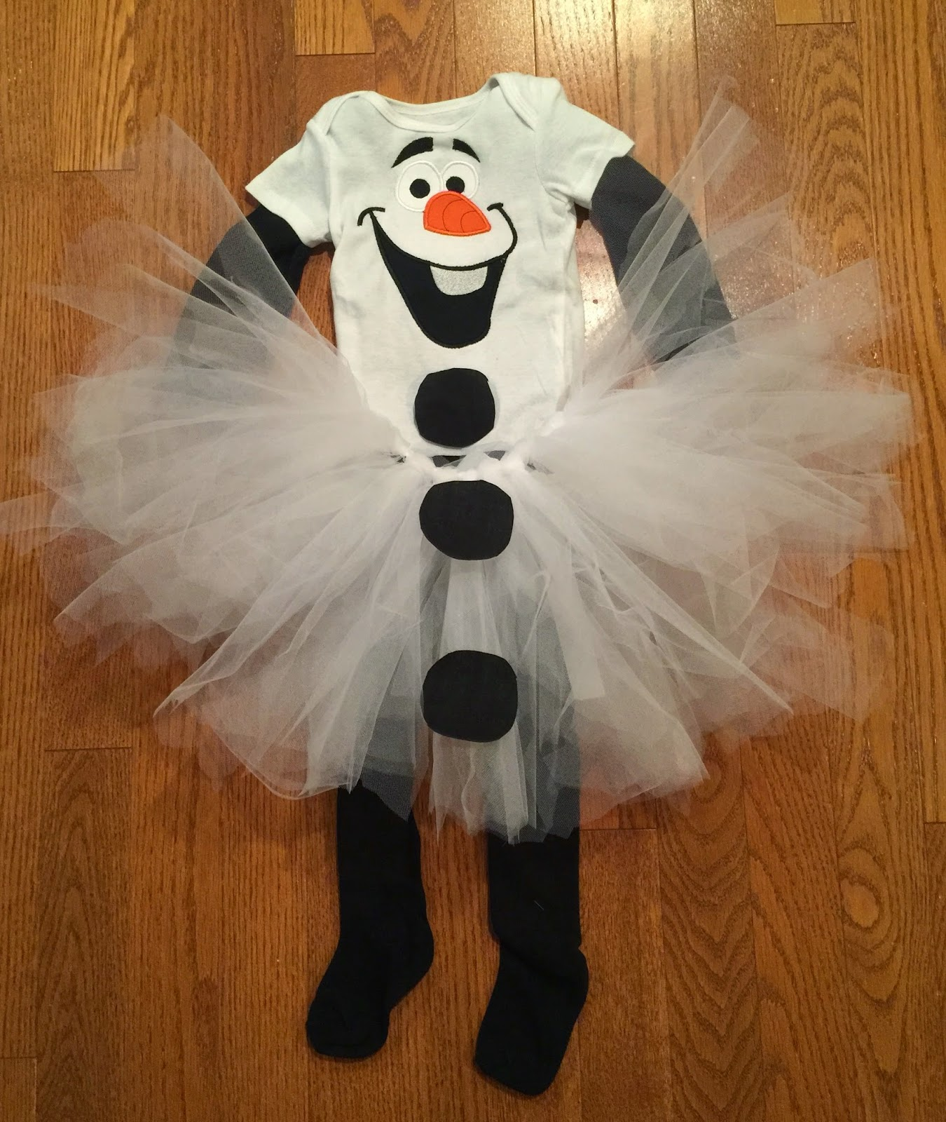 What youu0027ll need & A Little Bolt of Life: DIY Olaf Costume