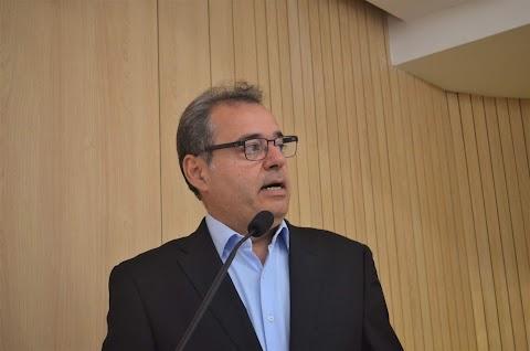 """""""Educação precisa de mais recursos"""", diz Danilo Cabral"""