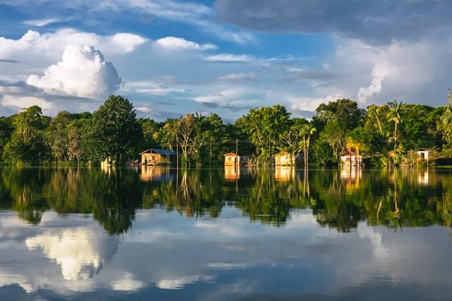 Comunidades ribeirinhas da Amazônia