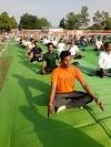 अंतर्राष्ट्रीय योग दिवस पर नरेला महाविद्यालय के विद्यार्थियों ने किया शिक्षकों के साथ योग