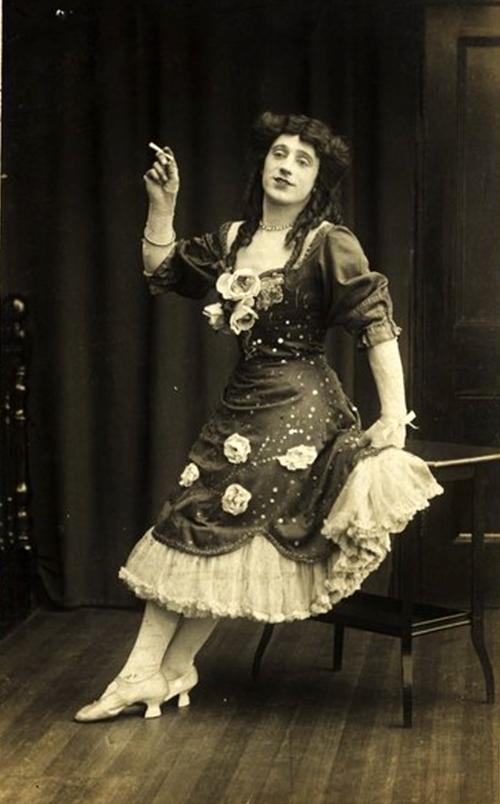 Professional femulator, circa 1910