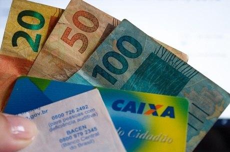 Terceiro lote do abono salarial começa a ser pago hoje