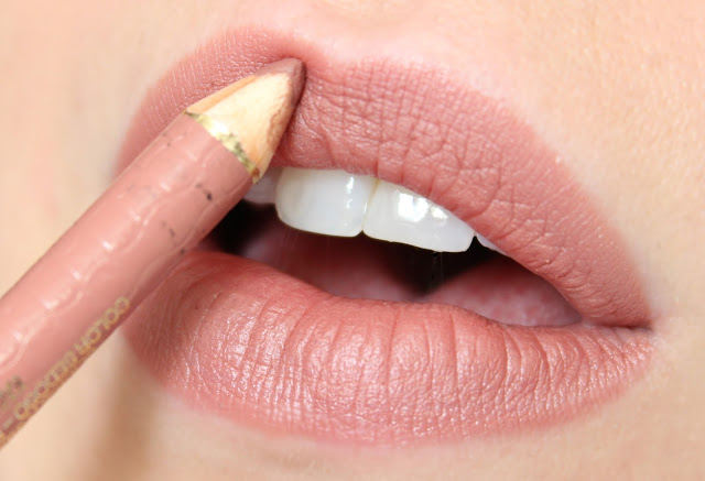 L'Oréal Color Riche Lip Liner Couture in 630 Beige a Nu swatch