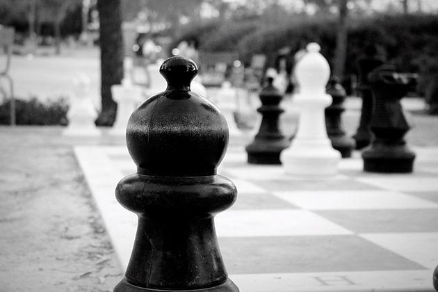 Εκείνοι σκάκι, εμείς, τάβλι;