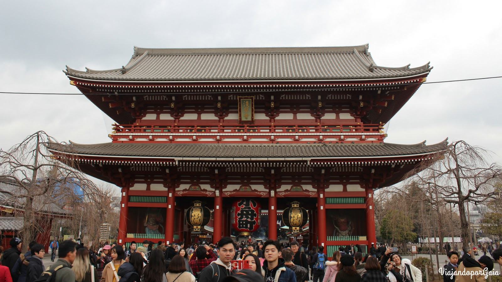 Templo Sensoji en barrio Asakusa