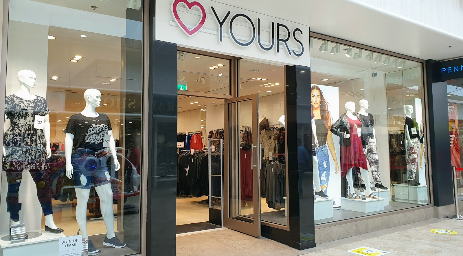 Shop window of Yours large-size super-size large ladies fashion clothing shop in Galway Shopping Centre