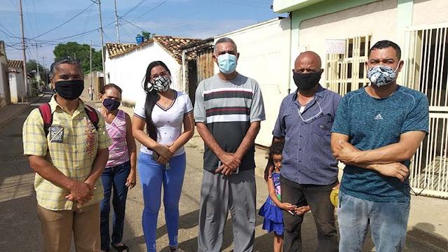 EN EL TORRELLAS PASAN LAS DE CAÍN POR NO CONTAR CON EL SERVICIO DE AGUA