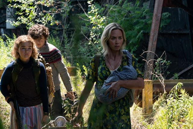 Noah Jupe, Millicent Simmonds y Emily Blunt. Fotograma de Paramount Pictures.