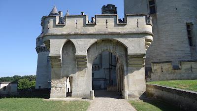 barbacane-Medioevo-castello-fortezza