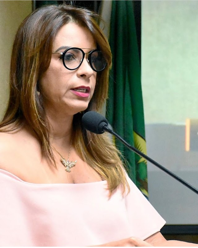 AFASTAMENTO DE ANDRÉA CAUSA REVOLTA ATÉ NA OPOSIÇÃO
