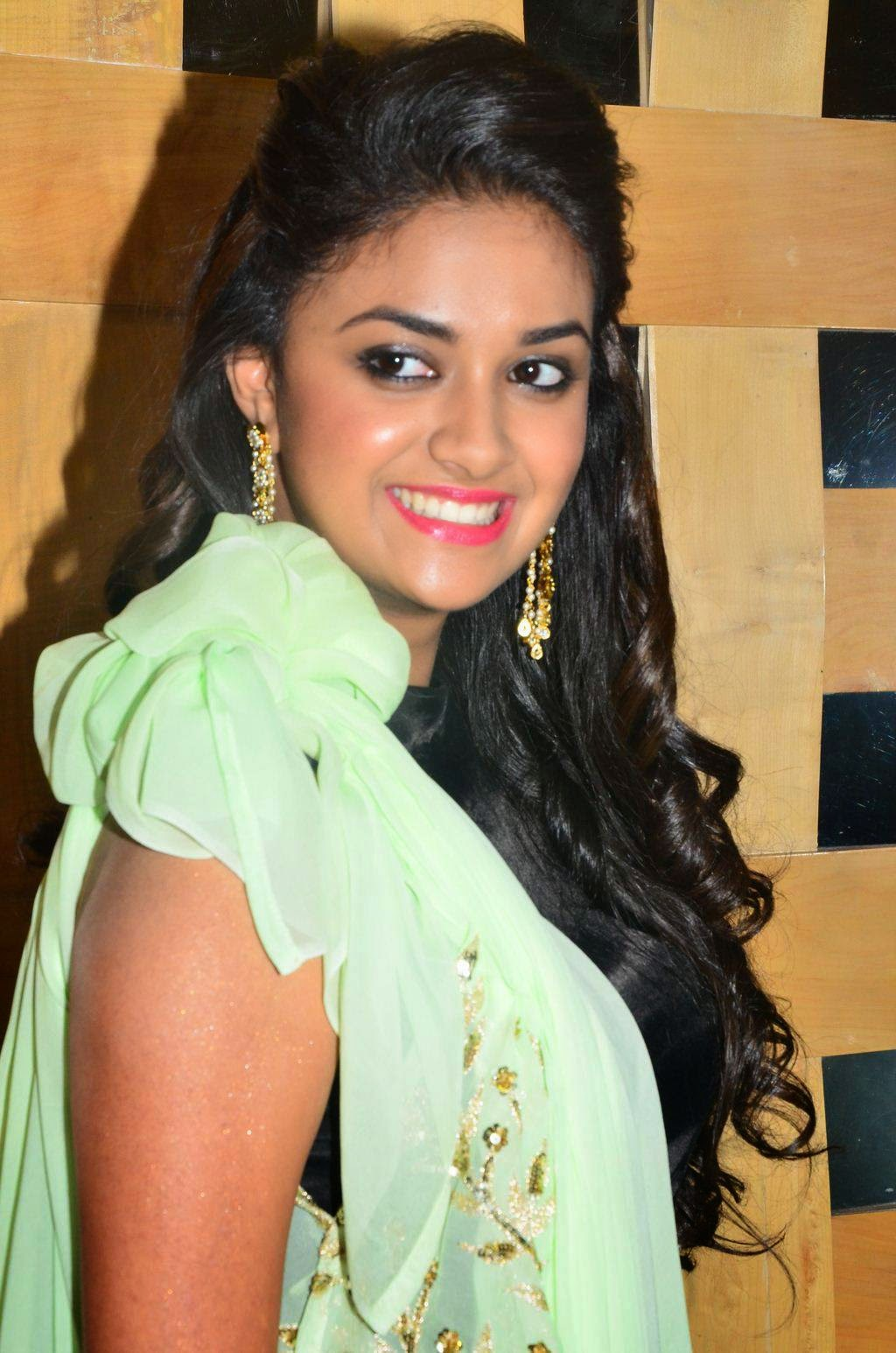 Keerthy Suresh Teeths Show Photos