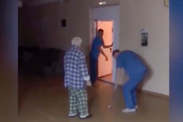 Довели: пожилой пациент умер после издевательств санитаров