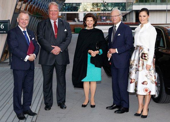 Crown Princess Victoria wore H&M Skirt, Camilla Thulin,  Yves Saint Laurent Paris pumps, carried Stella McCartney Falabella clutch