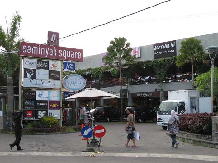 Tempat Wisata di Seminyak Square