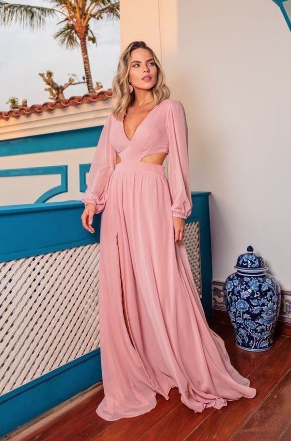 vestido longo rose de mangas longas com recorte na cintura
