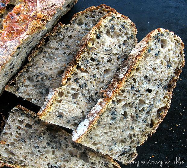 Chleb pszenny z semoliną i sezamem