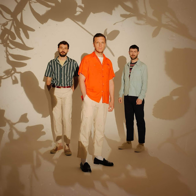 Nueva música de Friendly Fires