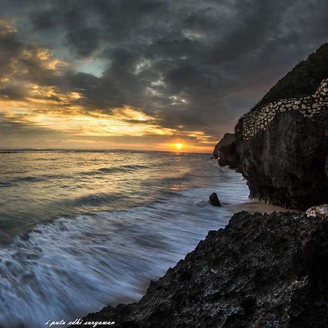 Pantai Melasti, Pantai Tersembunyi di Bali yang Memikat Hati