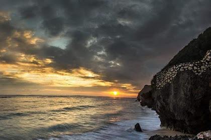 Pantai Melasti Bali, Pesona Pantai Tersembunyi di Bali yang Memikat Hati