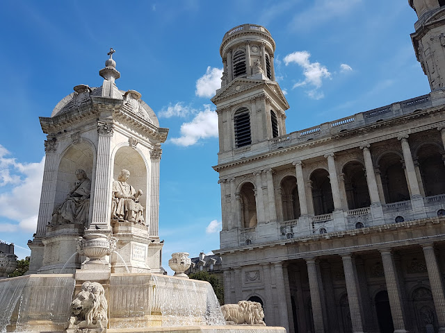 Fontaine Visconti et l'église Saint Sulpice