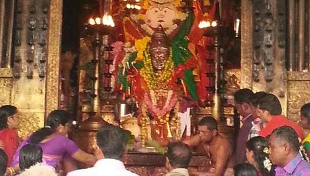 மண்டைக்காடு பகவதி அம்மன் கோயிலில்... தேவபிரசன்னம் பார்த்த முழு விவரங்கள்... Mandaikadu Bhagavathi Amman Temple ... Full details of seeing Devaprasannam