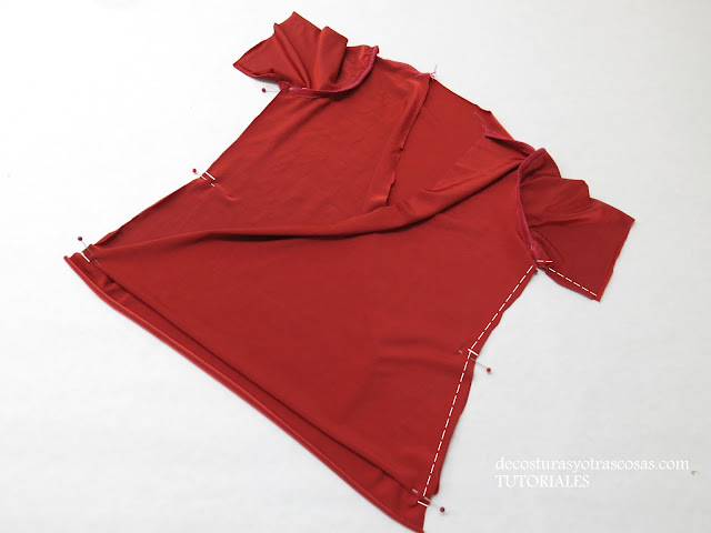 como coser una blusa fácil con efecto drapeado en el delantero