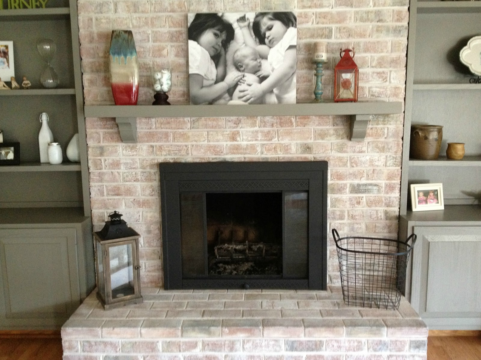 How to paint a brick fireplace infarrantly creative white washed firepalce and mantle solutioingenieria Image collections