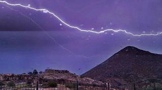 Ισχυρές καταιγίδες και άνεμοι σε όλη την Ελλάδα μέχρι το βράδυ