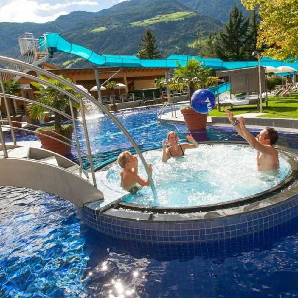 Wellness & Familien- Apartment Hotel Tyrol 4 Sterne Naturns