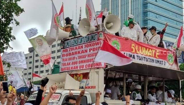 Massa Demo di DPR Tuntut Makzulkan Jokowi, PDIP: Itu Ungkapan Kebencian, Kena Pasal 156