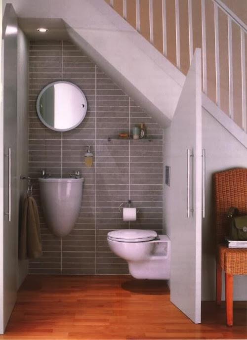 Baño debajo de las escaleras - Colores en Casa