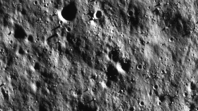 India muestra nuevas fotos lunares durante la Noche Internacional de Observación de la Luna