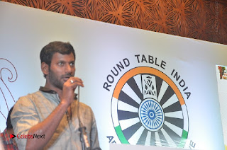 Simran and Vishal at the Launch of The Pride of Tamil Nadu Event Stills  0040.jpg