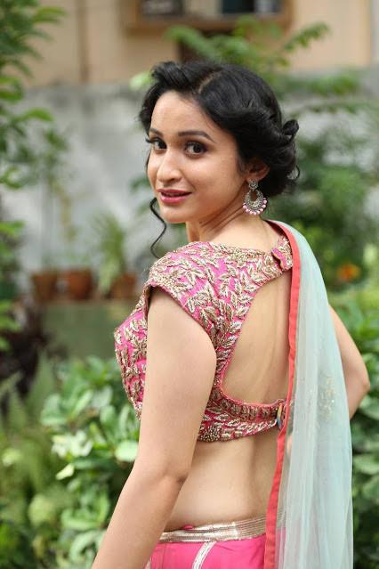 Sakshi Kakkar Photos