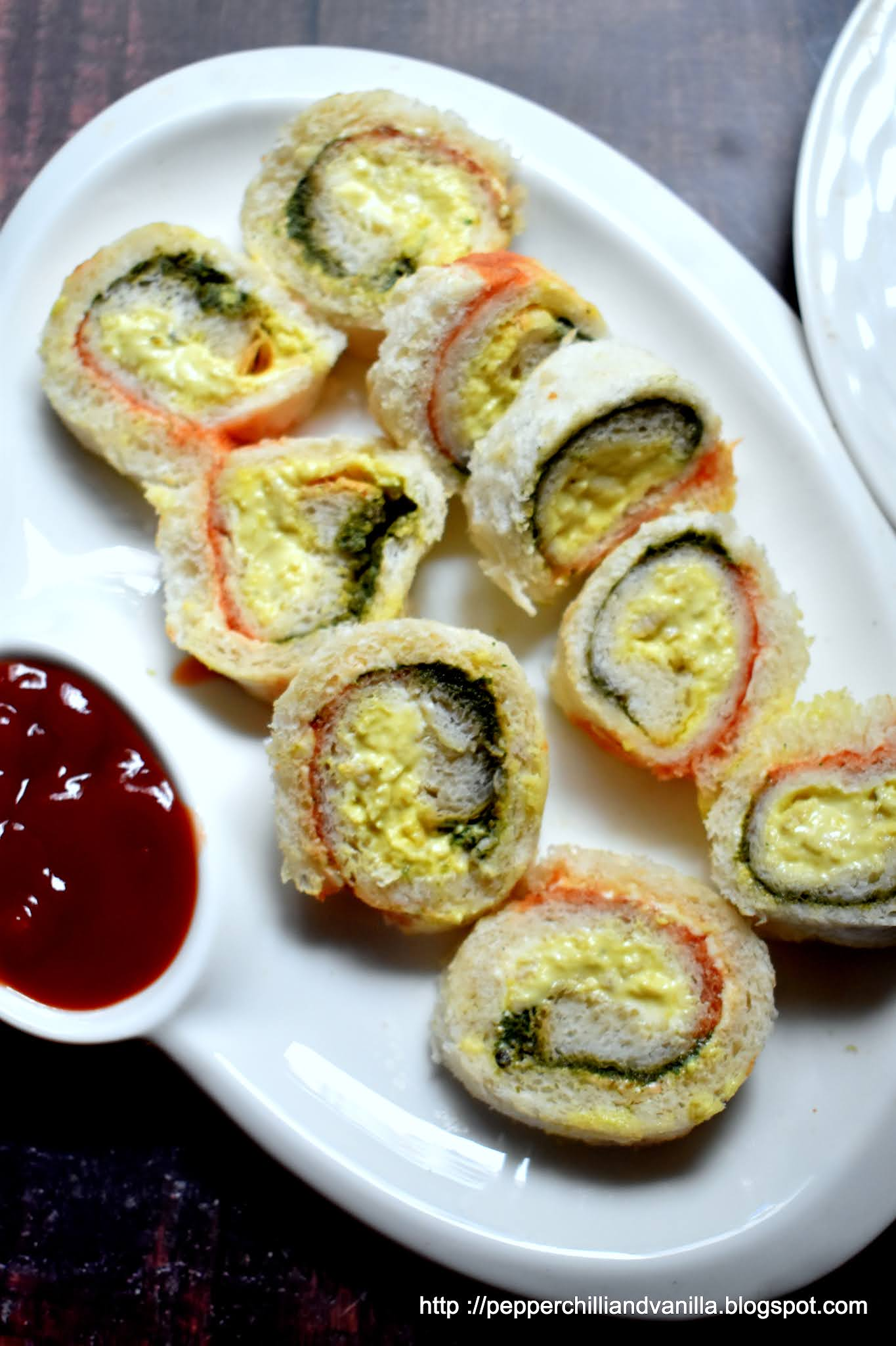 chicken mayo pinwheel,tricolour pinhweel ,easy party appetizer ,pinwheel sandwich easy