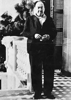 Antonio Machado aparece retratado en la terraza de Villa Amparo, una casa de la localidad valenciana de Rocafort, no en Collioure (Francia)