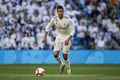 Real Madrid Akan Naikkan Gaji Raphael Varane