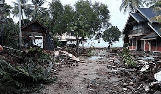 puisi tentang bencana alam gempa bumi dan tsunami palu