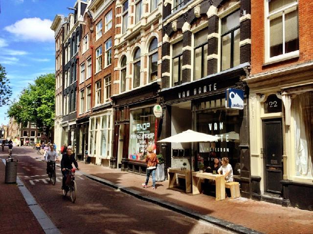 Ruas 9 Straatjes em Amsterdã em julho