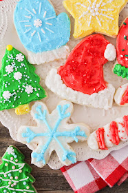 25 Delicious Christmas Cookies - A variety of delicious cookies that are perfect for parties, cookie exchanges, or gifting!