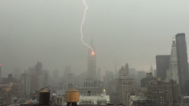 lightning hits empire state building