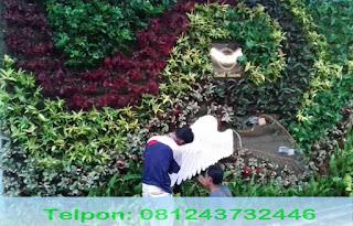 Jasa taman vertcal garden Jakarta, Tukang taman vertical garden Jakarta, Jasa pembuatan taman vertical Jakarta, Jasa tukang taman vertical garden Jakarta, Jasa renovasi taman vertical garden Jakarta